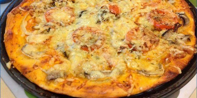 Домашняя пицца с грибами