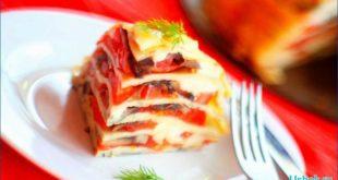 Как приготовить блинный торт с помидорами и грибами